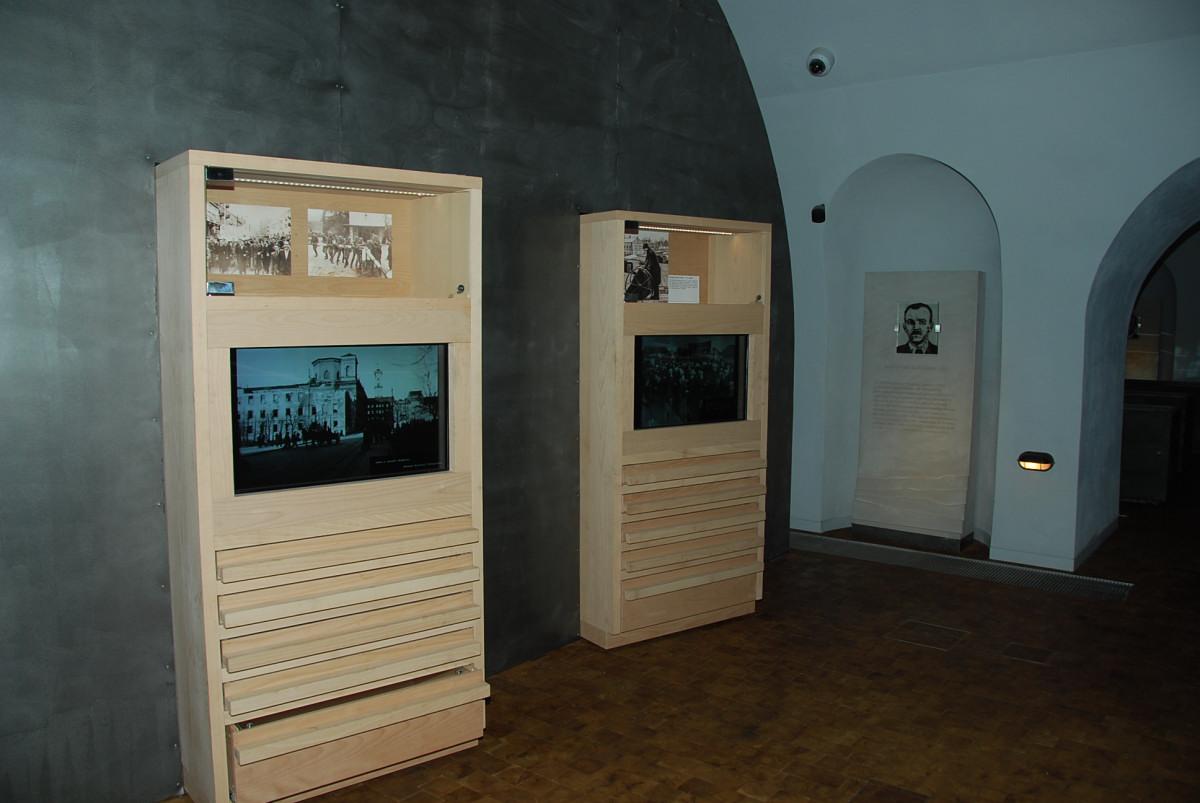Uroczystość otwarcia Muzeum Katyńskiego 005